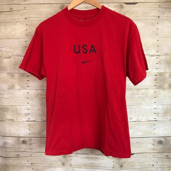 eced701f310f Nike Red Swoosh USA T-Shirt - Men s Size Medium. M 5c108b98a5d7c6dd78912d58